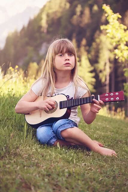 Music Benefits, Sr Vania 6